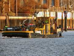 Strohbrück (ENI 08356025) (Parchimer) Tags: schubboot pushboat towboat pousseur pchacz duwboot spintore empurradorfluvial binnenschiff tolómotorhajó pushertug hamburg billwerderbucht