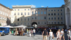 Salzburg, Universitätsplatz [28.08.2014] (b16aug) Tags: altstadt austria aut geo:lat=4779950000 geo:lon=1304302222 geotagged salzburg