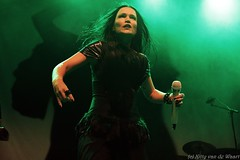 Tarja Turunen (Kvandewaart concert and music photography) Tags: tarja turunen metal shadow self tour goth stage concert concertphotography musicphotography music guitar mic black gigphotography gig gigs singer singing heavy feather helmond cacaofabriek female fronted femalefronted gigpics