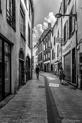 Clermont-Ferrand (JG Photographies) Tags: europe france french noiretblanc ruelle clermontferrand auvergne jgphotographies canon7dmarkii