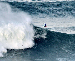LUCAS CHIANCA / 8401LFR (Rafael González de Riancho (Lunada) / Rafa Rianch) Tags: surf waves surfing olas sport deportes sea mer mar nazaré vagues ondas portugal playa beach 海の沿岸をサーフィンスポーツ 自然 海 ポルトガル heʻe nalu palena moana haʻuki kai olahraga laut pantai costa coast storm temporal