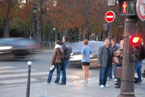 Париж, Єлісейські поля InterNetri  France 001