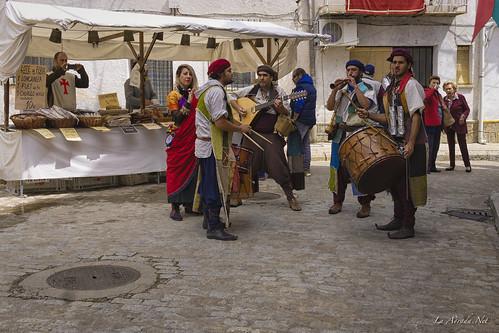 "XVII Mercado Medieval de La Adrada • <a style=""font-size:0.8em;"" href=""http://www.flickr.com/photos/133275046@N07/40056538320/"" target=""_blank"">View on Flickr</a>"