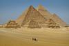 Aligment Point (Don César) Tags: cairo egypt egipto africa middleeast mediooriente piramides pyramids viewing many muchas arquitectura architecture desert desierto turismo tourism aligment alineadas