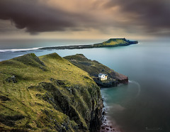 Worms Head (oliver.herbold) Tags: wormshead rhossili bay bucht gower swansea wales southwales boathouse sea meer rocks felsen cliff clouds drama storm longexposure langzeitbelichtung seascape outdoor oliverherbold