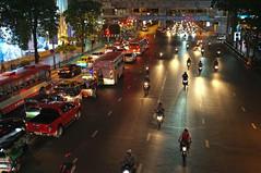 DSCF8684 (Kirill Litvin) Tags: bangkok thailand travel fujifilm fuji x100 night nightlights urban urbania street streetlight traffic transport
