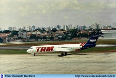 TAM Linhas Aéreas - PT-WHL (Aviacaobrasil) Tags: tam fokker100 aeroportodecongonhas reinaldodeckleva