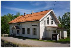 Heimskringla (Kringler gamle skole) (Krogen) Tags: norge norway norwegen akershus romerike nannestad krogen fujifilmx100