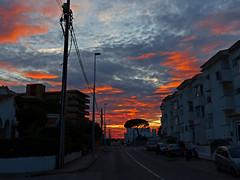 Estrella de la tarde (Andy WXx2009) Tags: sunset spain lescala sky landscape cityscape streetphotography artistic catalonia beauty buildings colours street clouds espana costabrava europe