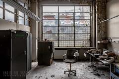 Ateliers C.-0084-2 (Under The Dust) Tags: urbex cockerill metallurgie usine