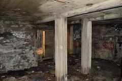 DSC_4303 (PorkkalaSotilastukikohta1944-1956) Tags: hylätty bunkkeri abandoned bunker bunkerexploring neuvostoliitto porkkala porkkalanparenteesi kirkkonummi hulluskirkkonummi exploring urbanexploration suojahuone varasto soviet suomi