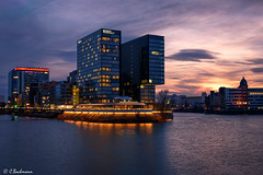 Hyatt Hotel at Media Harbour in Düsseldorf (Germany) (bachmann_chr) Tags: medienhafen media harbour hyatt hotel sunset sonnenuntergang düsseldorf deutschland germany sightseeing nikon d750 vollformat full frame blaue stunde blue hour architecture architektur