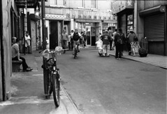 Doyers Street, NYC. (setpower1) Tags: newyorkcity nyc bw leicam4 kodaktrix kodakd76 35mmfilm vintagefilmcamera bwyellowsc022filter epsonv550 leica50mmf2summicron chinatown