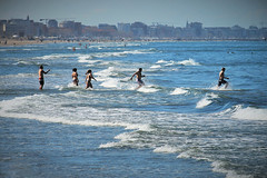 summer time (N I C K ....1 8 2 8) Tags: sea sole spiaggia mare moving nick1828 blu beach people persone