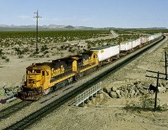 Essex CA Wednesday November 6th 1991 1000PST (Hoopy2342) Tags: railroad rail train railway atsf santafe atchisontopekasantafe mojavedesert essex california calif desert route66