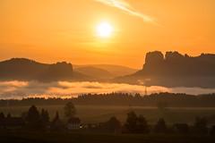Sunrise (Sandsteiner) Tags: sunrise sonnenaufgang morgenstimmung frühling spring elbsandsteingebirge falkenstein hoheliebe schrammsteine sandsteiner