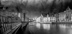 Bruges Dynamic Black -HFF (YᗩSᗰIᘉᗴ HᗴᘉS +15 000 000 thx) Tags: hff bruges longexposure happyfencefriday town canal hensyasmine water fence laowa laowa12mm greatphotographers