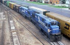 Conrail U28C 6830 (Chuck Zeiler) Tags: cr conrail u28c 6830 railroad ge locomotive cicero train chuckzeiler chz