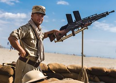 Commémoration May 8th (BadGunman) Tags: bleu blanc machinegun gun commemoration army desert wwii africa legion legionnaire french