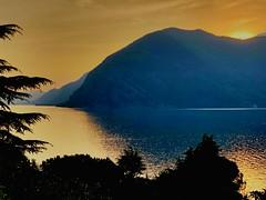 The sun sets... (mau_tweety) Tags: reflections riflessi mountains montagna water acqua tramonto sunset lake lago