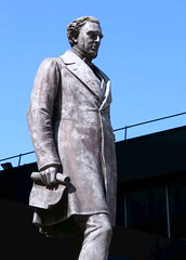 Robert Stephenson FRS, Civil Engineer, by Carlo (Charles) Marochetti (Snapshooter46) Tags: bronze statue robertstephenson frs civilengineer sculptor carlorlesmarochetti eustonstation london londonandbirminghamrailway