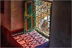 light and shadow ... travel memories ... (miriam ulivi - OFF /ON) Tags: miriamulivi nikond3200 marocco ombra luce colori shadow light colours finestra window inferriata grating red rosso green verde