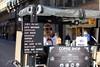 Café au milieu de la rue à Toulouse, France. (heraldeixample) Tags: heraldeixample tolosa toulouse occitania occitanie languedoc llenguadoc lenguadoc frança france francia gent người people leute gens persone gente pessoas 人们 lesgens 人 home man mes hombre homme männer gizonen mænd viroj fir dynion άνδρεσ lelaki homens ผู้ชาย erkaklar 男人 cafe koffe kafe carrer road avenue hallee rue rua street calle albertdelahoz
