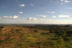 DSC_0040 1 (Proflázaro) Tags: brasil goiás cidade valparaísodegoiás horizonte cerrado cerradodegoiás natureza paisagem paisagemdocerrado naturezadegoiás céu nuvem floresta árvore entardecer ecologia nikond3100