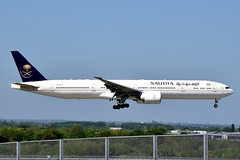 2018-05-05 LHR HZ-AK42 (Paul-H100) Tags: 20180505 lhr hzak42 boeing 777 b777 saudia saudi arabian airlines