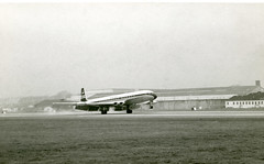 G-APDD. British Overseas Airways Corporation de Havilland DH.106 Comet 4 (Ayronautica) Tags: dehavillanddh106comet4 gapdd britishoverseasairwayscorporation boac 1958 november airliner ayronautica aviation scanned prestwick egpk pik