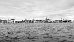 Venetian skyline - Perfil Veneciano (Raúl Alejandro Rodríguez) Tags: canal agua water perfil skyline iglesias churches cúpulas domes nubes clouds la giudecca venecia venice italia italy bw blanco y negro