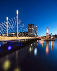 Malmö II (Gustaf_E) Tags: fyr inrefyr kväll lighthouse malmö malmöhögskola natt skåne stad studio sverige sweden universitetsbron vår