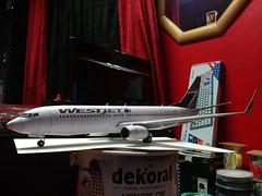 IMG_20180122_233516 (Hipo 50's Maniac) Tags: boeing 737800 westjet papercraft 1100 scale by paperreplikacom paper model aircraft jetliner plane 737 next generation