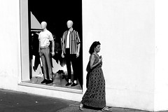In front of the indifferent men (pascalcolin1) Tags: paris femme woman dummies mannequins magasin shop vitrine window mur wall photoderue streetview urbanarte noiretblanc blackandwhite photopascalcolin 50mm canon50mm canon