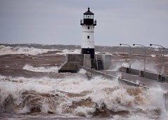 Weathering the Storm (finlander13) Tags: minnesota lakesuperior waves storm aprilsnowstorm duluth canalpark lighthouse