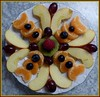 Obstmandala / Mandala of Fruit (ursula.valtiner) Tags: obst fruits mandarinen himbeeren äpfel kiwis weintrauben grapes apples strawberries mandala