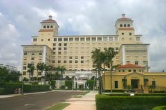 Palm Beach Biltmore Condominiums, Palm Beach , Florida (1 of 2) (gg1electrice60) Tags: flaglermemorialbridge palmbeachhotel openedin1894 destoyedbyfirein1925 wentintobankruptcy albarenamedtheambassadorin1929 albahotelbuiltin1926 sold1933aspalmbeachbiltmore mid1940suscoastguard womensreservetrainingcamp 1945usnavyhospital convalescenthospital 1946biltmorebacktocivilianhotel palmbeachbiltmoreclosed1970s rescuedbydeveloperjohndmacarthur soldtoinvestorstanleyjharte1977 stanleyjharterenovatedbiltmore reopenedaspalmbeachbiltmorecondominiums 128unitcondominiums palmbeachbiltmorecondos palmbeach palmbeachcounty florida fl unitedstates usa us america 150bradleyplace intersectionatsunrise sunriseavenue