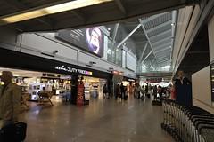 UKABEL2013_2396 (wallacefsk) Tags: poland warsaw ªiäõ μø¨f airport 波蘭 華沙
