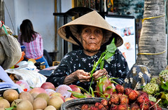 Old Woman, Hoi An by Valdas Photo Trip -