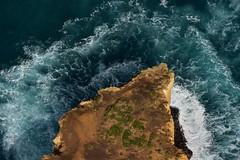 Amazing Planet (Harald Philipp) Tags: twelveapostles melbourne australia nikon d810 nikkor victoria bassstrait promontory helicopter headland surf cliffs waves shoreline