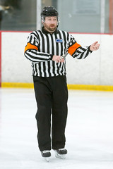 Shane Peters (mark6mauno) Tags: shanepeters shane peters referee westernstateshockeyleague western states hockey league wshl 201718 therinkslakewoodice therinks lakewoodice the rinks lakewood ice nikkor 300mmf28gvrii nikond4 nikon d4 ar2x3