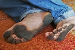 dirty city feet 559 (dirtyfeet6811) Tags: feet soles barefoot dirtyfeet dirtysoles blacksoles cityfeet