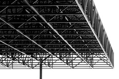 Above Your Head (YIP2) Tags: nationalmilitarymuseum soesterberg holland architecture design bw minimal minimalism clausvanwageningen architects nmm nationaalmilitairmuseum army military building construction roof