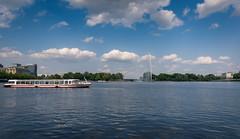 Hamburg,Binnenalster (andreasmally) Tags: hamburg alster binnenalster schiff ship germany deutschland wasser water clouds wolken