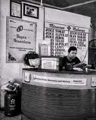 Dapur Nusantara (rizqyunggul) Tags: amateur indonesia streetphotography candid people worker urban jakarta indoor blackwhite