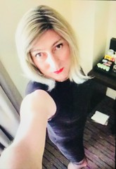 Last two Piccys of my evening , both filtered , one over highlighted to accentuate my red lips, the other, in noir ,  to play guess the hotel ?? Thankyou all for your lovely comments on my series of pictures 😘💋love emma xxxxx (emma_jay_park) Tags: blonde emmajay emmajaypark boytogirl boy2girl mtf xdressing xdress xdresser crossdress crossdressing crossdresser tgirl tgurl trannies tranny's tranny transsexual transvesite trans tv cd