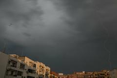 Nube a Tierra. València, 27-4-2018 (Rafa_Tena89) Tags: tormenta storm valencia españa spain weather lightning rayo meteorología cielo
