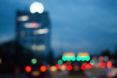 driving in the gloaming I (Rasande Tyskar) Tags: hamburg street traffic verkehr nacht abend night fahren lichter long aperture belichtung lang city stadt colours blurred gloaming zwielicht verwaschen