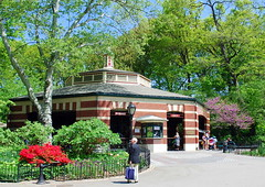 The Carousel, Central Park, New York City, USA. (Roly-sisaphus) Tags: nyc thebigapple unitedstatesofamerica parks