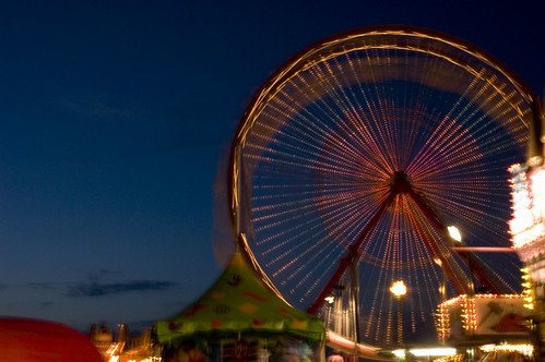Ferris Wheel by phot0geek, on Flickr